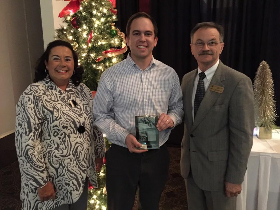 Recognize a Great Neighbor: Nominate Them for Neighborhood Builder Award