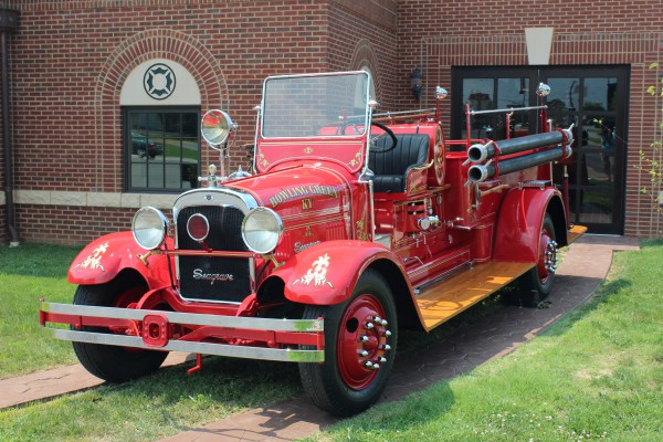 Antique Fire Truck - Bowling Green Fire Department