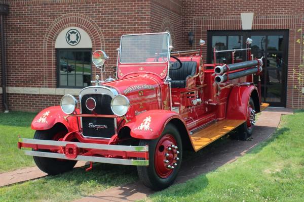 Antique Fire Truck - Bowling Green Fire Department