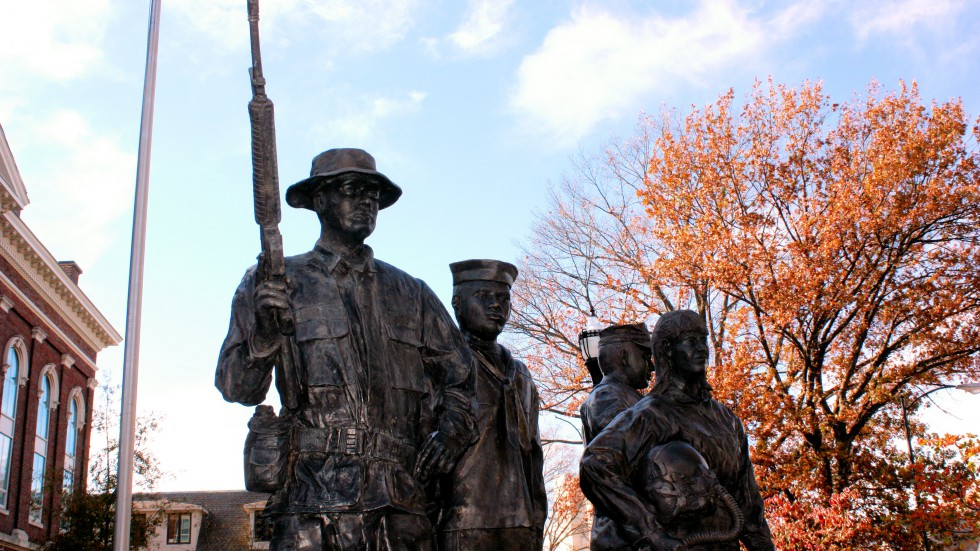 Warren County Armed Forces Statues